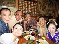 大小原打ち上げ:一門と新宿の「大小原」にて。きらりさんと梅吉さんも一緒に。