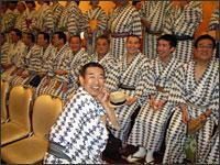 はなし塚記念撮影:8月31日、はなし塚の供養の後浅草ビューホテルにて芸術協会全員が記念撮影する前に。